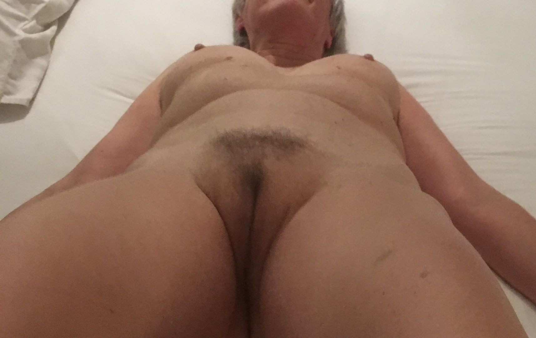 qaghbemeh millogh christmas present a beautiful big #mature #pensioner #offeringmound #hairypussy #erectnipples