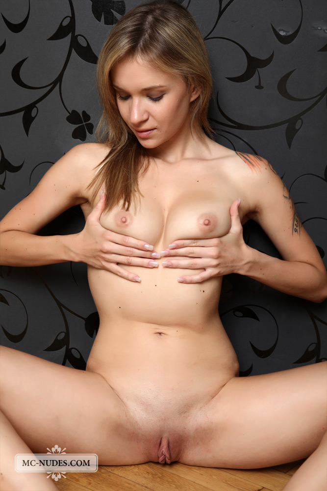 showing porn images for finola hughes rated movies