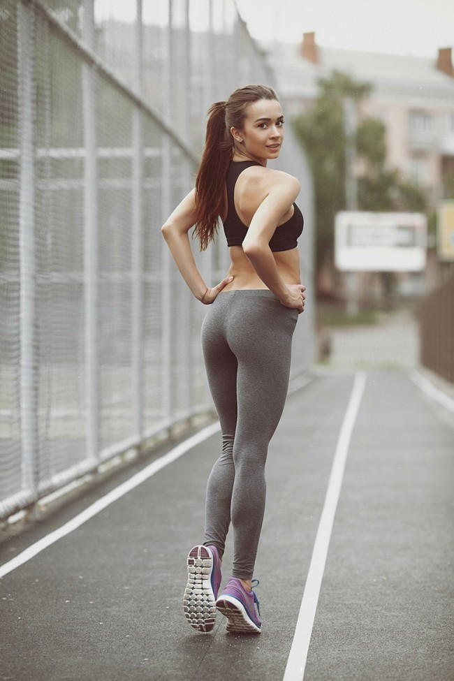 asian spanish free tubes look excite and delight Absolutefavorite Gym Lifting Blonde Yogapants Athletic Sportsbra