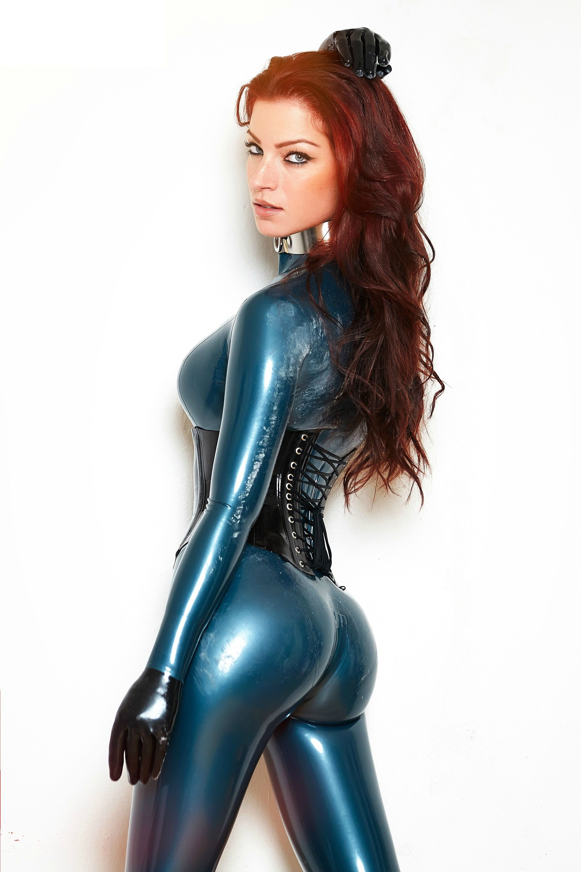 brunette with nice tits riding a cock #latex #corset #balletboots #longhair #perfectlegs #greatbody #gloves #catsuit #wanttofuckher #wanthertobemytoy #perfecttoy #prefectass
