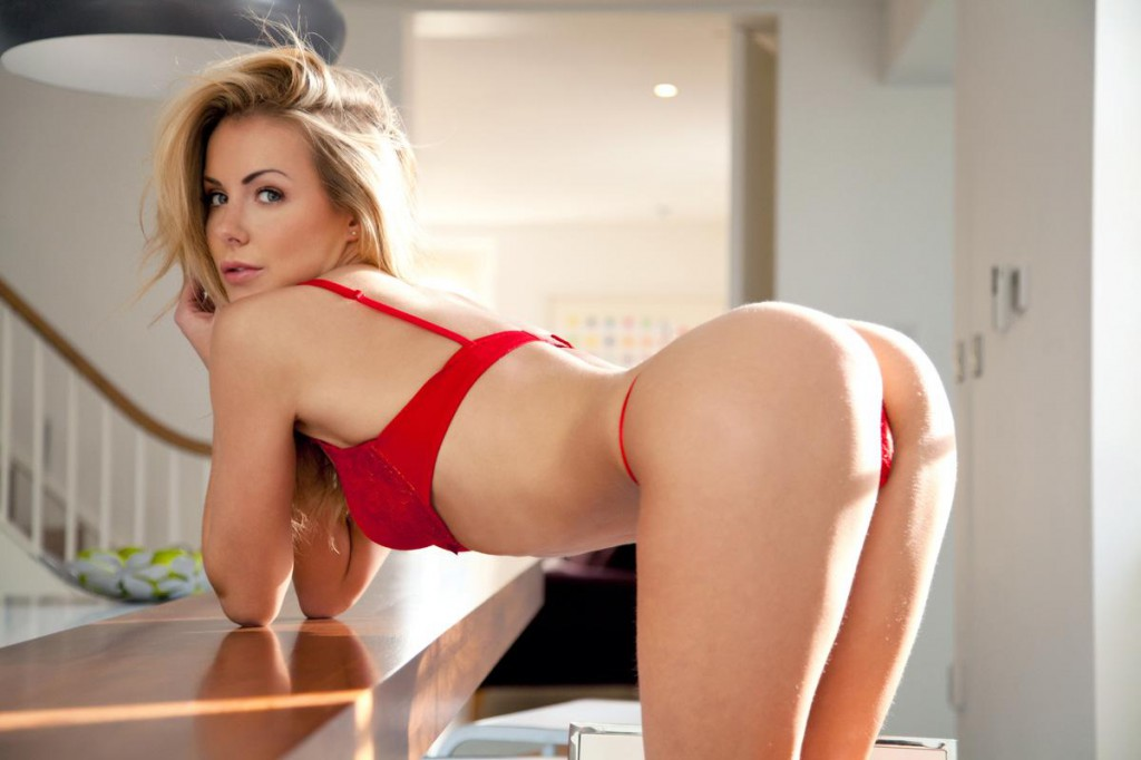 raunchy ryan smiles showing her huge butt off photos from naughty mag Becky shows perfect ass