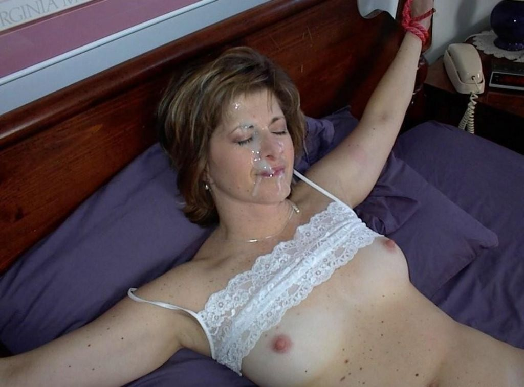 sexy milf veronica avluv is a middle aged super freak that