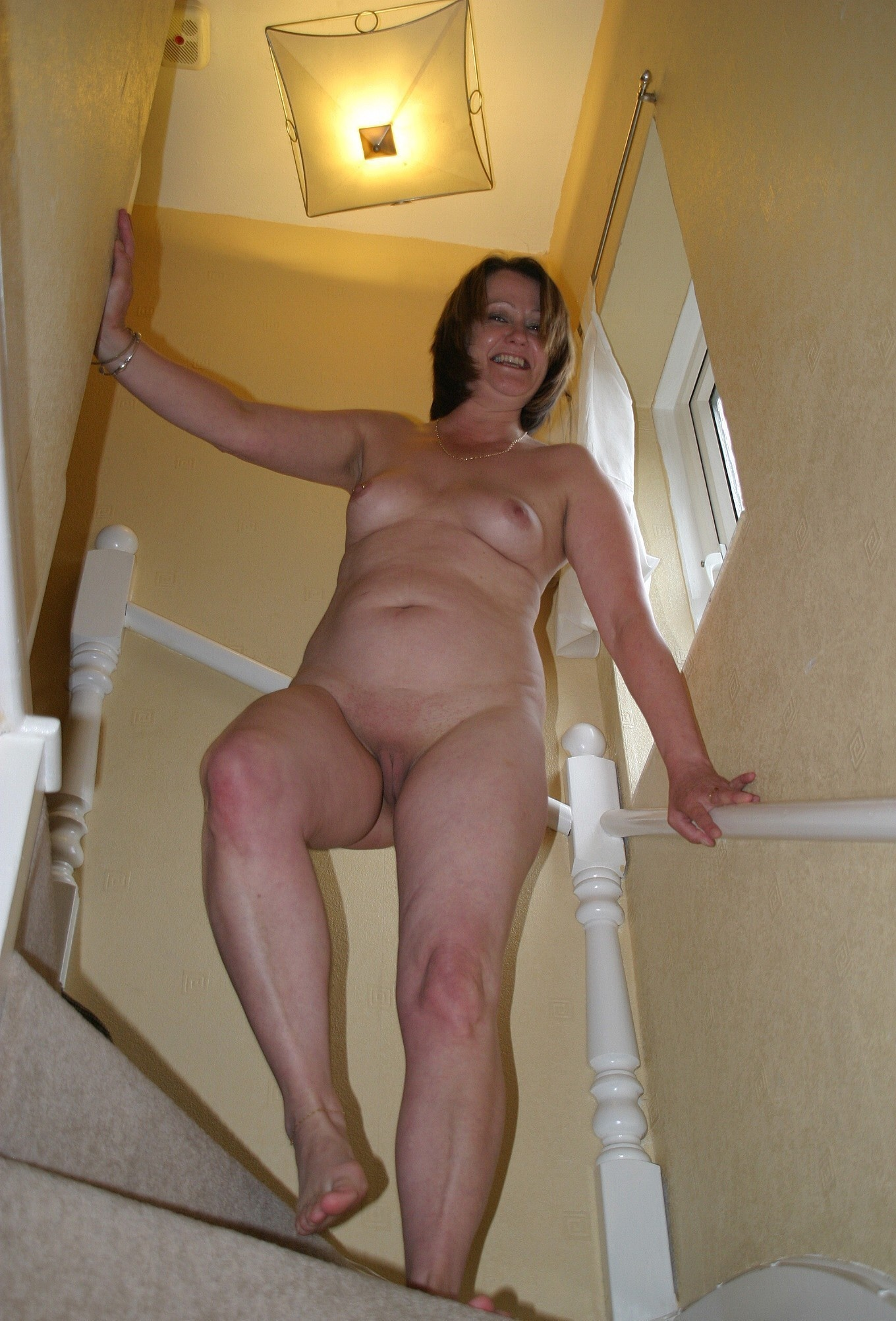 Mature Milf Mom Mommy Olderwomen Amateur Wife Subperspective Perspective Pussy Cunt Nude Stairs Staircase Knee Legs Older