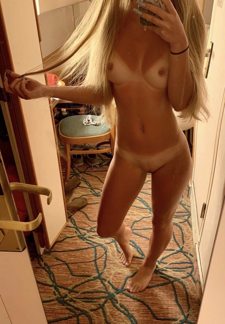Sexy Amateur Teen Selfie Pussy Cunt Shaved Tits Boobs Labia Tanlines Blonde Fit Perkytits Sweetcunt Clit